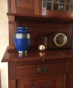 Goedkope urn blauwe thuis