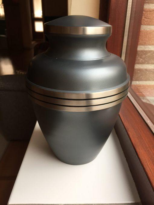 Goedkope urn grijs grijze