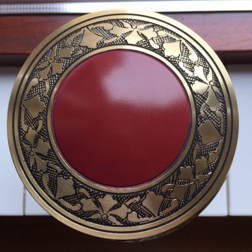 Goedkope urn rood rode bovenaanzicht