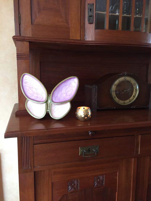 Vlinder met asbestemming staand